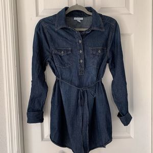 Liz Lange maternity denim top
